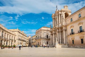 In de dag Oude gebouw Piazza Duomo. Syracuse, Sicily, Italy
