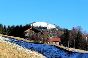 Holzhütten in den Alpen, Allgäu, Bayern