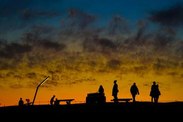 横浜みなとみらい大さん橋の夕暮れとシルエット Fototapete