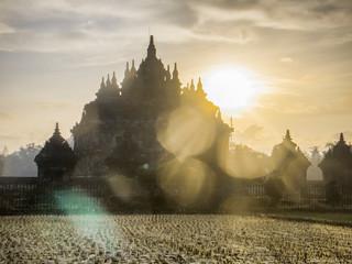 Fotobehang Bedehuis Flare on the Plaosan temple