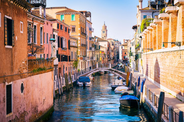 Cadres-photo bureau Venice Classic view of of a typical colorful canal on a quiet day in Venice Italy