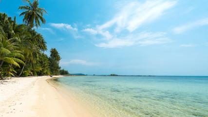 Wall Mural - Wonderful tropical beach in summer, Located Koh Chang Island, Thailand