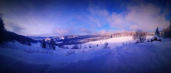 Foto op Plexiglas Donkerblauw Panorama gór