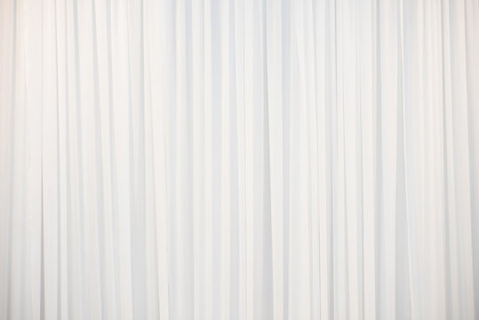 The white curtain that dropped down as a straight line