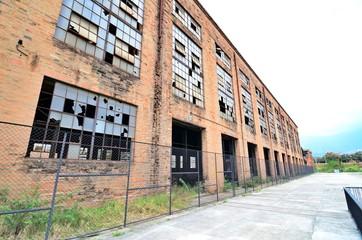 Fototapeta Workshops and old warehouses of the Antioquia railway