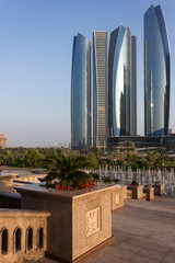 Fotobehang Abu Dhabi View of Etihad Towers from emirates Palace