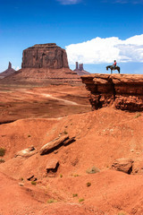 Photo sur Aluminium Corail Legendary scene of a cowboy in Monument Valley (USA)