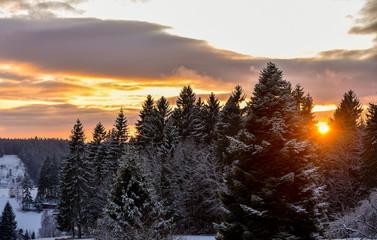 Sonnenuntergang in den Bergen im Fichtelgebirge