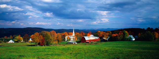 Wall Mural - New England Church, Vermont in autumn