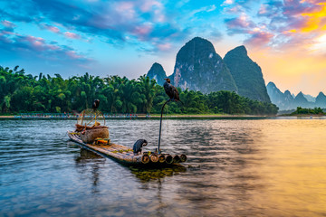 Zelfklevend Fotobehang Guilin Landscape and bamboo rafts of Lijiang River in Guilin, Guangxi..