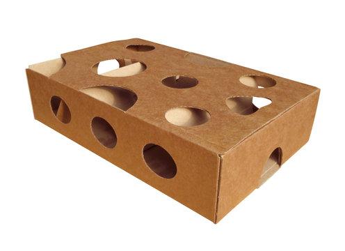 Cardboard box puzle for cat