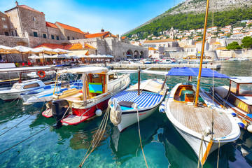 Poster Mediterraans Europa Old port of the historic town Dubrovnik.