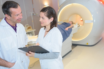 mri technologist having a conversation