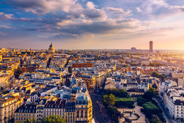 Panoramic view of Paris with the Pantheon at sunset, France. View of the Pantheon and the latin district at sunset, Paris, France. Fotomurales