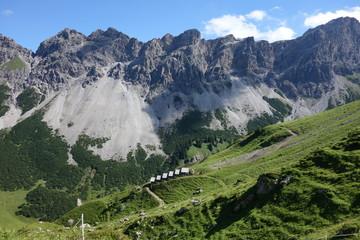 Felsgestein in den Alpen