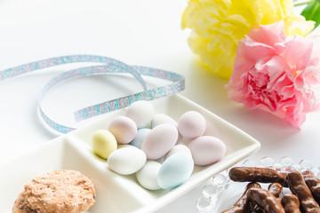 パステルカラーのアーモンドチョコレート