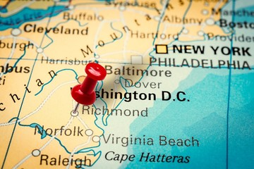 Pushpin pointing at Richmond city in Virginia, America