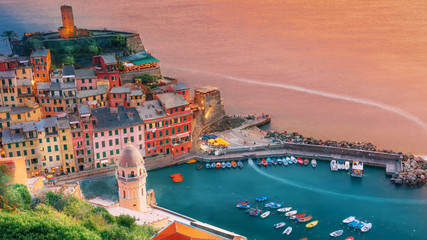 Poster Mediterraans Europa Vernazza colorful city on the seashore
