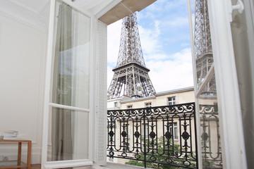 Vue sur la tour Eiffel Wall mural