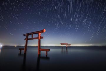 海中鳥居と星空