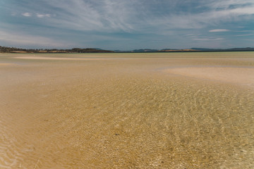 Foto auf Leinwand Durre view of Dunalley Beach in Tasmania, Australia with sandbanks and shallow pristine water