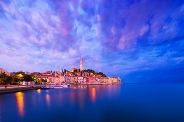 Photo sur Aluminium Bleu fonce seaside view of old town of Rovinj, Croatia.