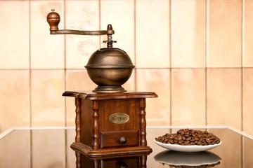 moulin à café manuel en bois acajou