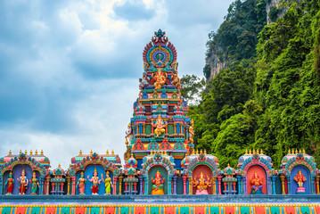 Photo sur Toile Kuala Lumpur Statue of Lord Muragan and entrance at Batu Caves in Kuala Lumpur, Malaysia.