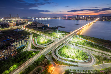 Türaufkleber Shanghai shanghai interchange overpass and elevated road in nightfall