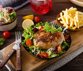Grilled chicken with fresh salad