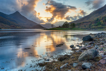 Wall Mural - Sunset at Loch Leven
