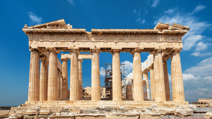 Fototapete - Parthenon on Acropolis, Athens, Greece. It is top landmark of Athens. Famous temple in city center. Sunny scenery of Greek ruins, remains of classical culture.
