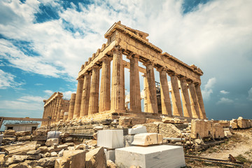 Fototapete - Parthenon on Acropolis, Athens, Greece. It is top landmark of Athens. Famous temple in Athens city center. Scenery of Greek ruins, remains of classical culture.