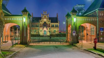 Zeche Zollern Dortmund Nacht beleuchtet Eingang