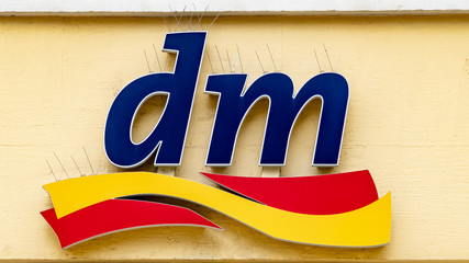 dm market logo
