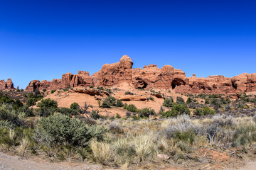 Photo sur Aluminium Bleu fonce Great natural stone arches View in the Arches National Park, USA