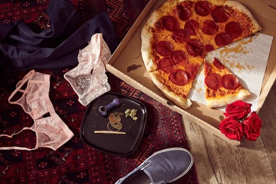 Pizza and Lovin': Hemp/Cannabis CBD/THC Joint and flower with Pizza
