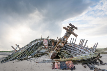 Garden Poster Shipwreck Carcasse bateau