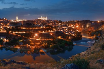 Wall Mural - Toledo skyline at night