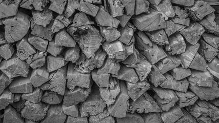 Türaufkleber Brennholz-textur Leña apilada, ideal para usar como fondo en escala de grises