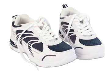 Weiß blaue Sportschuhe