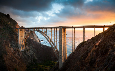 Fotorolgordijn Bruggen Bixby Bridge along Highway 1 at sunset, Big Sur, California, USA