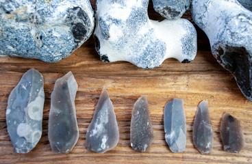 Feuerstein Werkzeug und Klingen, Flintknapping, Steinzeit, Jagd, Repliken