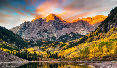 Maroon Bells at Sunrise, Aspen, Colorado Wall mural