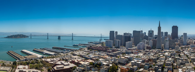 Photo sur Toile San Francisco AERIAL VIEW OF CITY AT WATERFRONT
