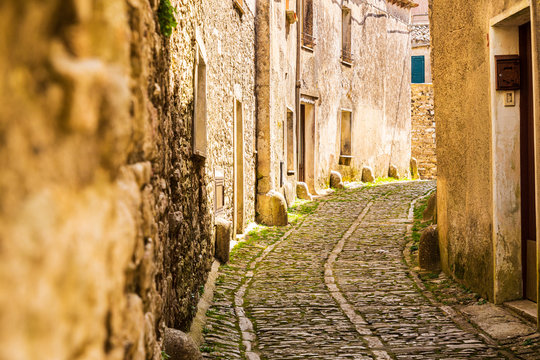Italy, Sicily, Trapani Province, Erice. Narrow cobblestone streets in the ancient hill town of Erice.