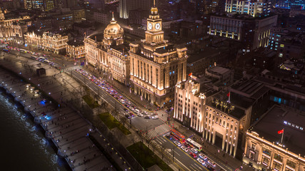 The bund at night, The Bund is a financial district and business centre in the city, Shanghai Bund historical buildings old colonial buildings, Popular tourist destination, Aerial view, China. Fototapete