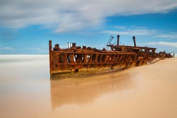 Deurstickers Schipbreuk Famous Maheno ship wreck on Fraser Island