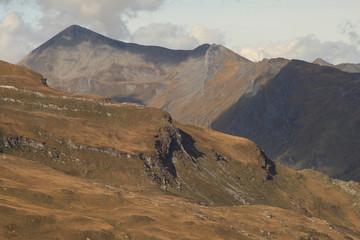 Schweizer Alpenlandschaft; blick von Süden zum Tällihorn (Adula-Alpen)