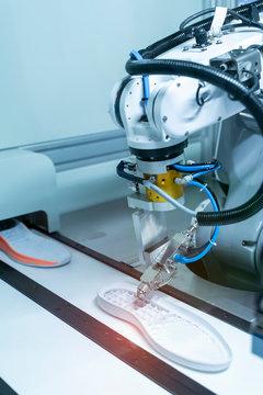robotic machine measure the rubber soles